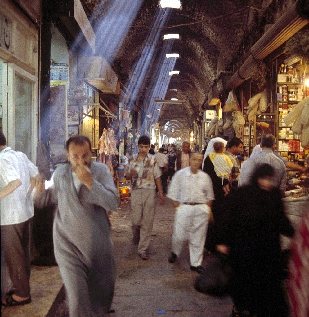 Aleppo-souq-by-Fulvio-Spado-via-Creative-Commons-996x1024